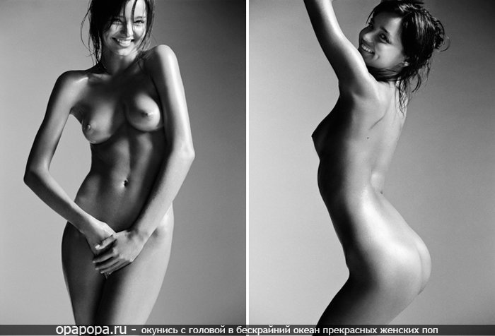 Черно-белая фотография: девушка юная без трусов грудью