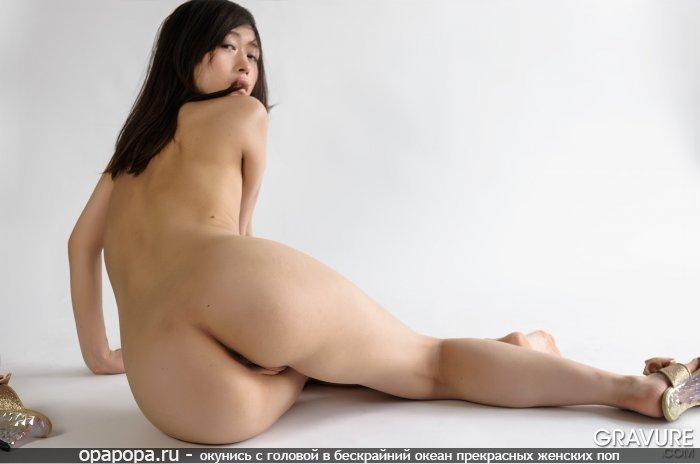 Фото: неопытной азиаточки Дианы с зрелой попой